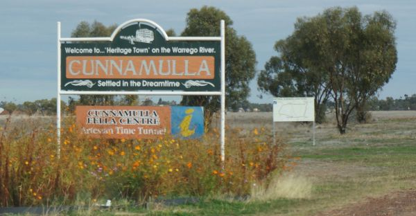 Cunnumulla welcome sign