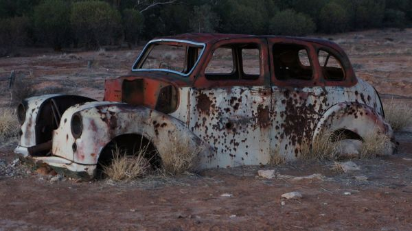 Old car - morning at Cadelga Ruins