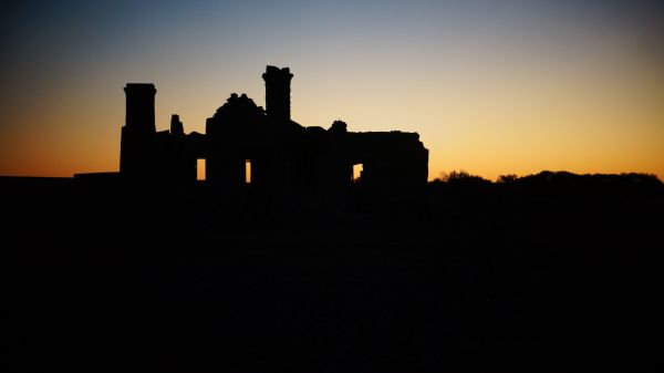 Sunrise over Cadelga Homestead Ruins