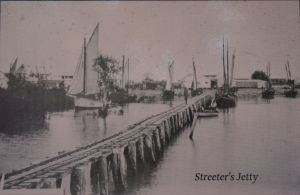 Streeter's Jetty in use - Broome