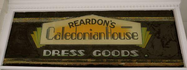 Reardons sign 3