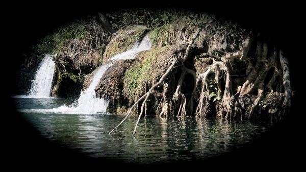 waterfall vignette - Lawn Hill Gorge