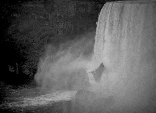 Niagara Falls 3 - Vintage Grayscale