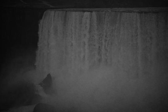 Niagara Falls 7 - Vintage Grayscale