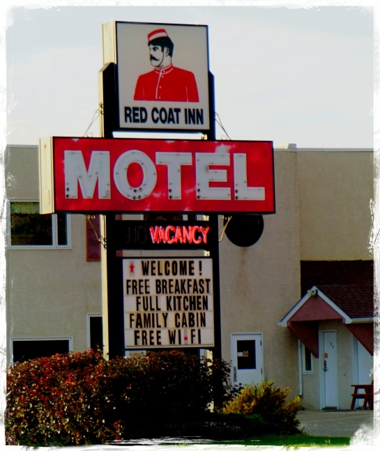 Red Coat Inn - Fort Macleod