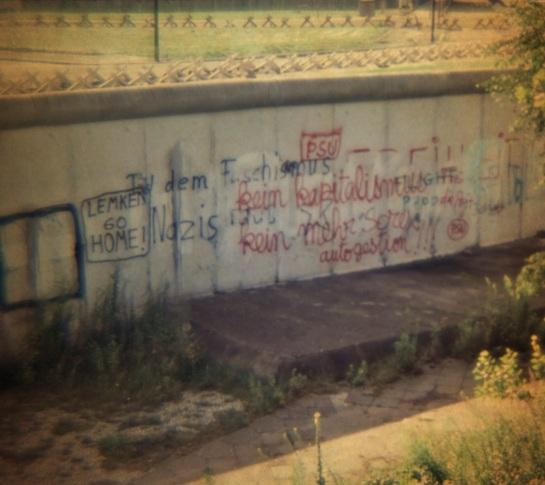 Slides - Berlin Wall #2 - 1980