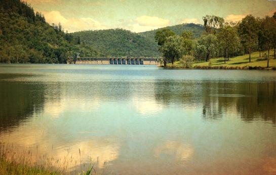 Somerset Dam 1