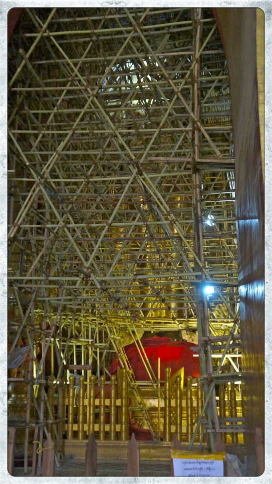 Ananda Pahto - scaffold around Buddha