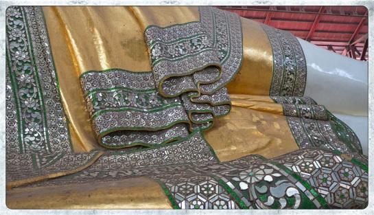 Chaukhtatgyi Paya - lying Buddha detail