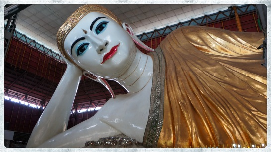 Chaukhtatgyi Paya - lying Buddha