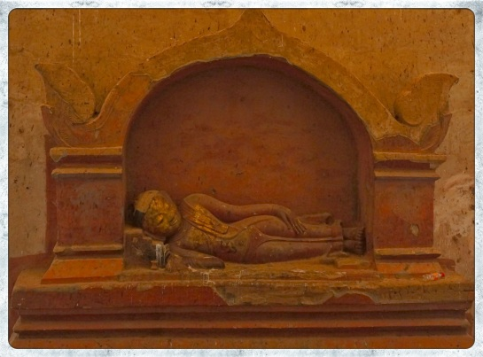 Dhammayangyi Pahto - Sleeping Buddha