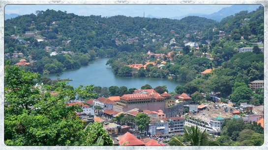 Kandy - the lake from the Big Buddha