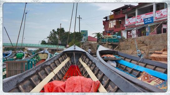 Nyaung Shwe - boat port