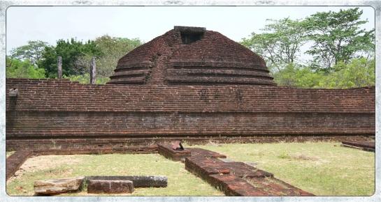 Pollonaruwa Archaeological Sites - 8