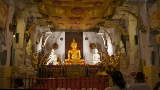 Temple of the Sacred Tooth Relic 4