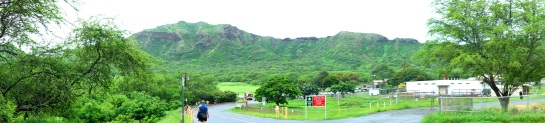 Walking into Diamond Head crater