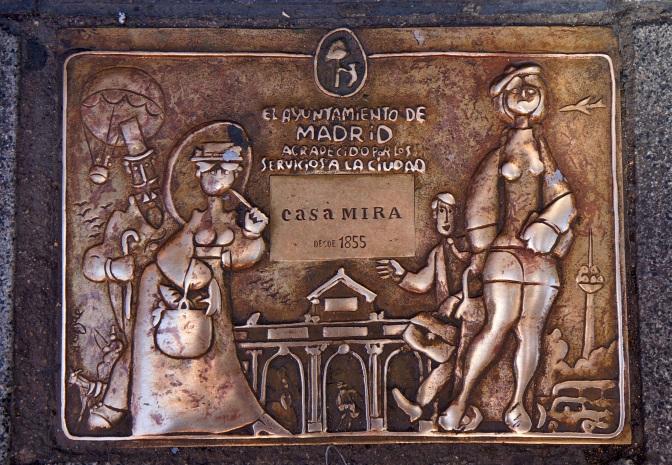 Pavement tiles of Casa Mira