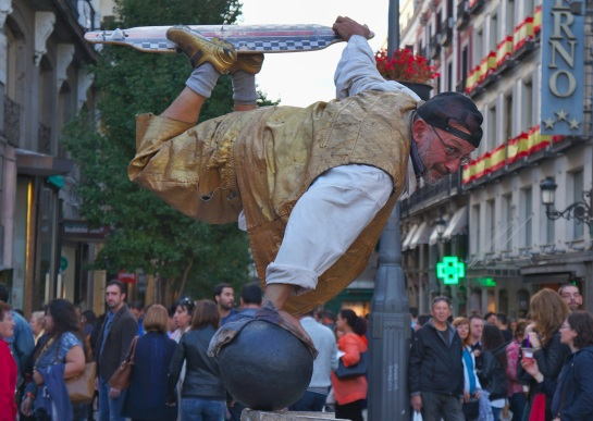 Madrid street performers 1