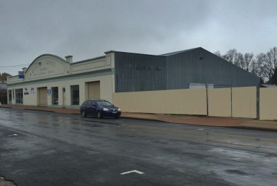 Guyra - rainy Sunday 5 June - main street