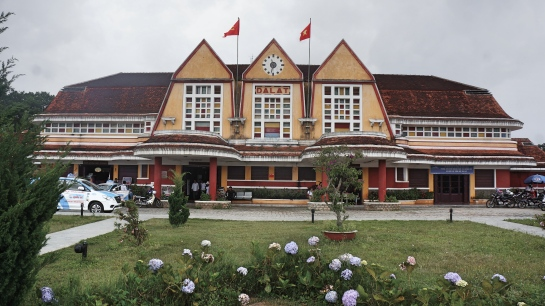 dalat-railway-station-exterior