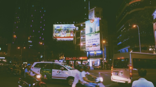 night-scene-ho-chi-minh-city-3-oct-2016-2