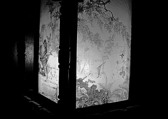 tan-ky-house-lantern-detail