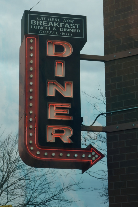 neon-diner-sign-minneapolis_fotor