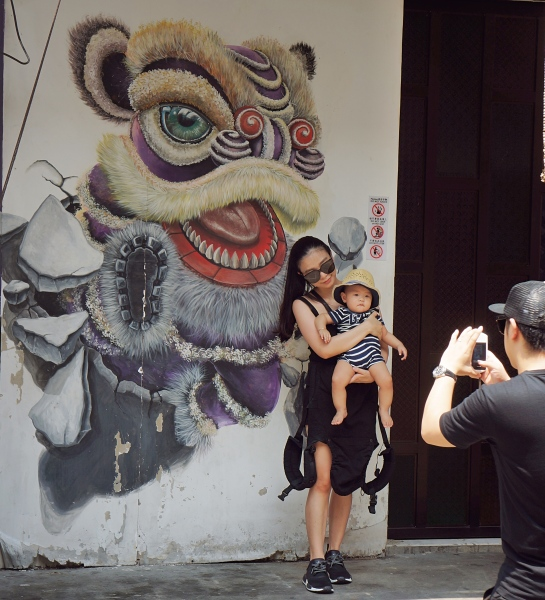 Penang Street art 1 - family photo